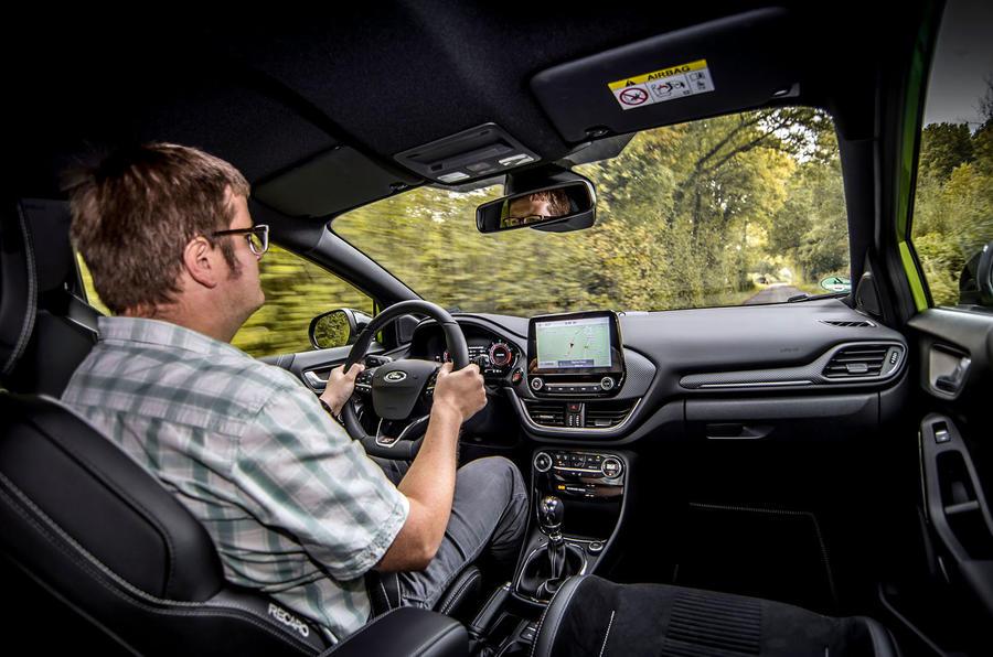 Ford Puma ST 2020 : premier bilan de conduite au Royaume-Uni - Matt Saunders au volant