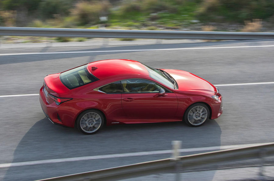 Lexus RC 300h 2019 first drive review - on the road side