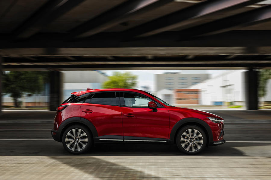 Mazda CX-3 2018 first drive review on the road side
