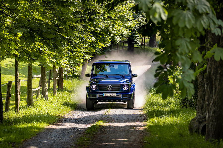 Mercedes-Benz G400d 2019 first drive review - on the road dust