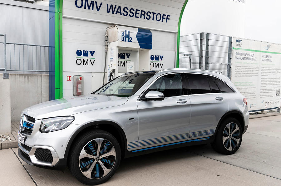 Mercedes-Benz GLC F-Cell 2018 first drive review - hydrogen station