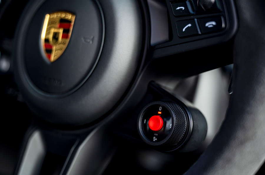 16 Cadran de mode de conduite de la Porsche Cayenne Turbo GT 2021 UE FD