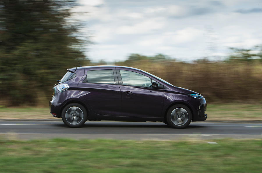 Renault Zoe R110 2018 UK first drive review on the road