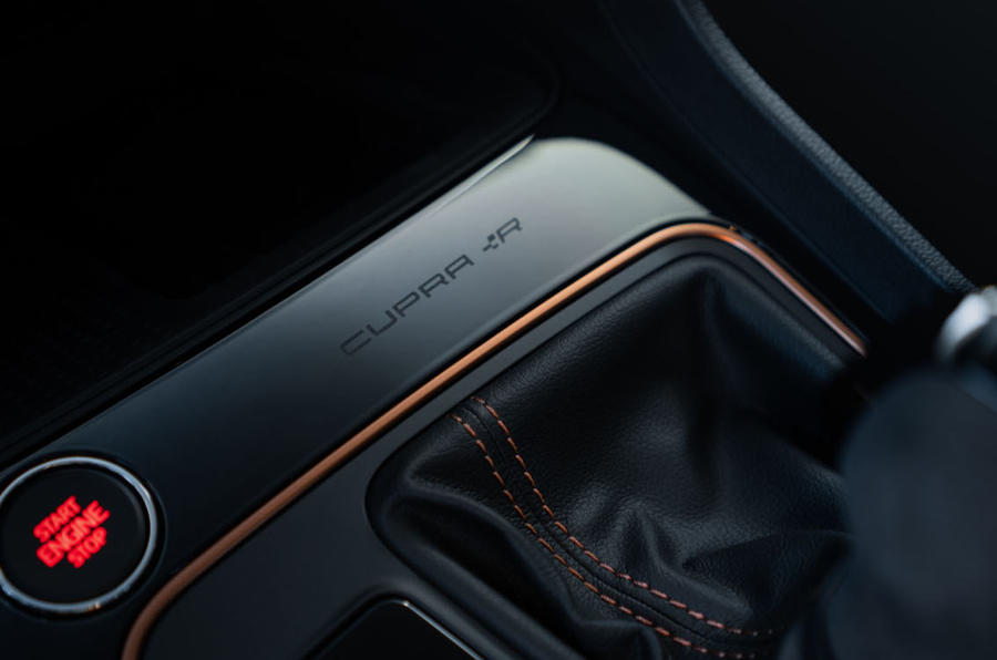 Seat Leon Cupra R ST 2019 first drive review - centre console trim