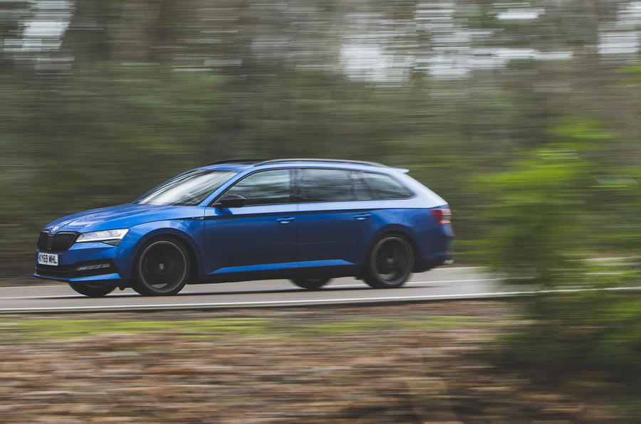 Skoda Superb Estate Sportline 2020 UK first drive review - on the road side