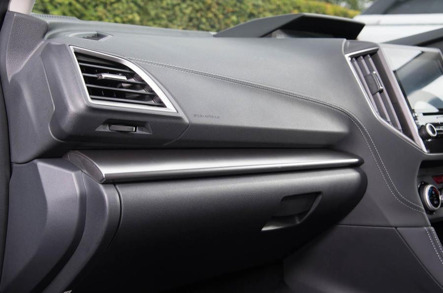 Subaru Impreza 2018 UK review glove box