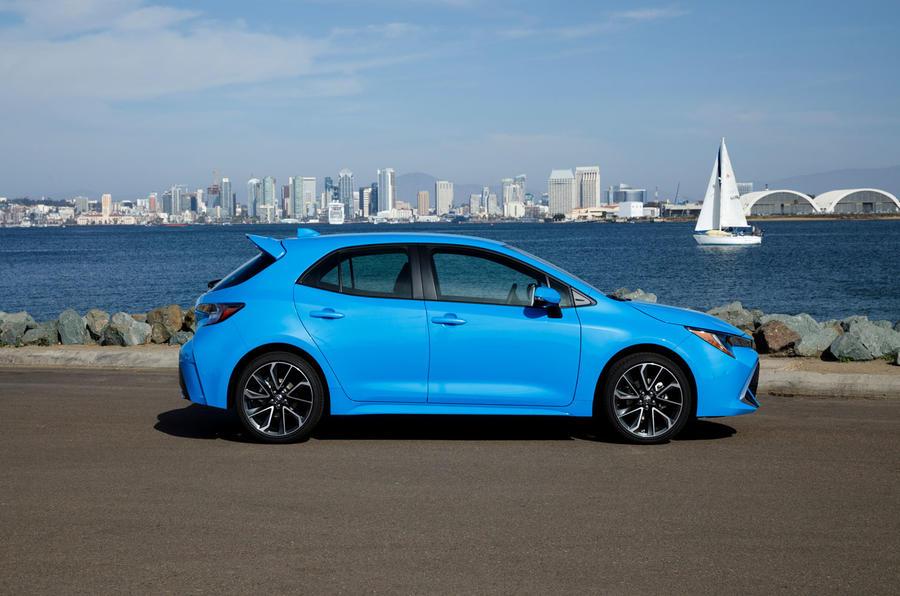 Toyota Corolla 2.0 XSE CVT 2019 review - static side