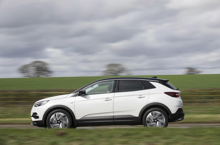 Vauxhall Grandland X Ultimate 2018 UK review on the road left
