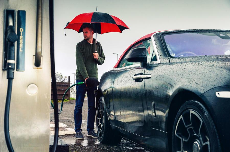 Rolls-Royce Dawn 2016 - refuelling