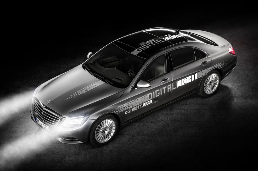 Mercedes-Benz reveals new digital lighting technology