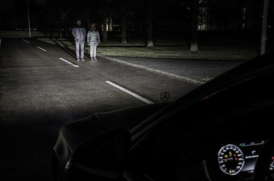 Mercedes benz reveals new digital lighting technology for Mercedes benz latest technology