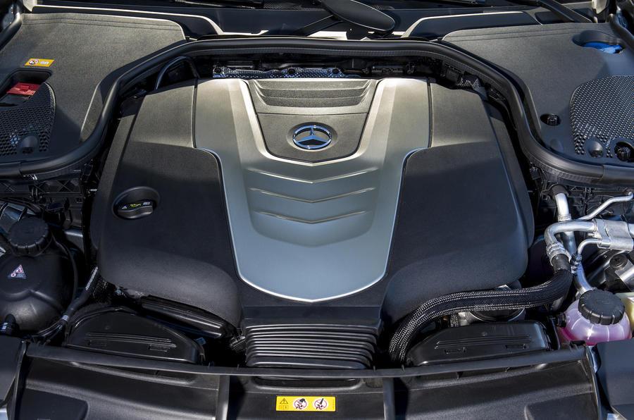 3.0-litre V6 Mercedes-Benz diesel engine