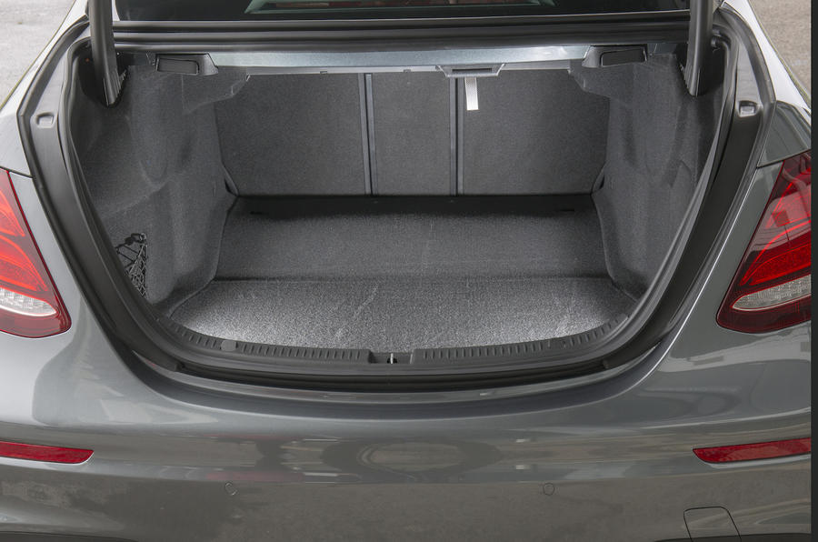 Mercedes-Benz E 350 d boot space