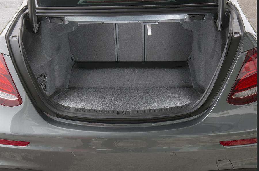 Mercedes-Benz E 350 d boot space