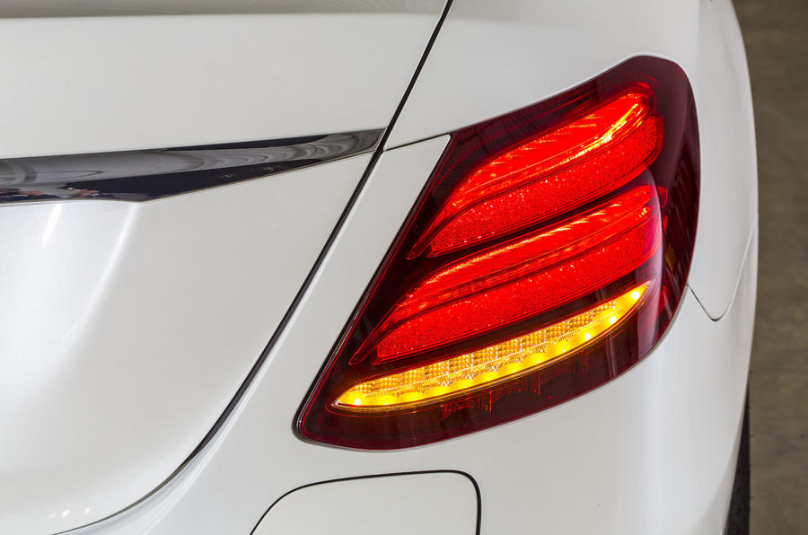 Mercedes-Benz E 350 e LED lights