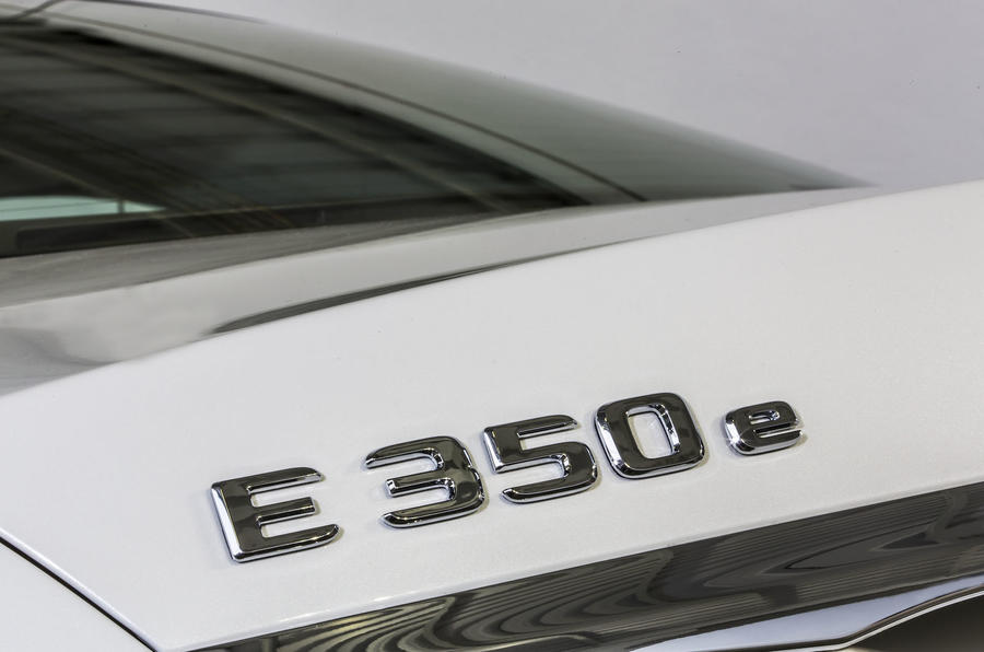 Mercedes-Benz E 350 e badging