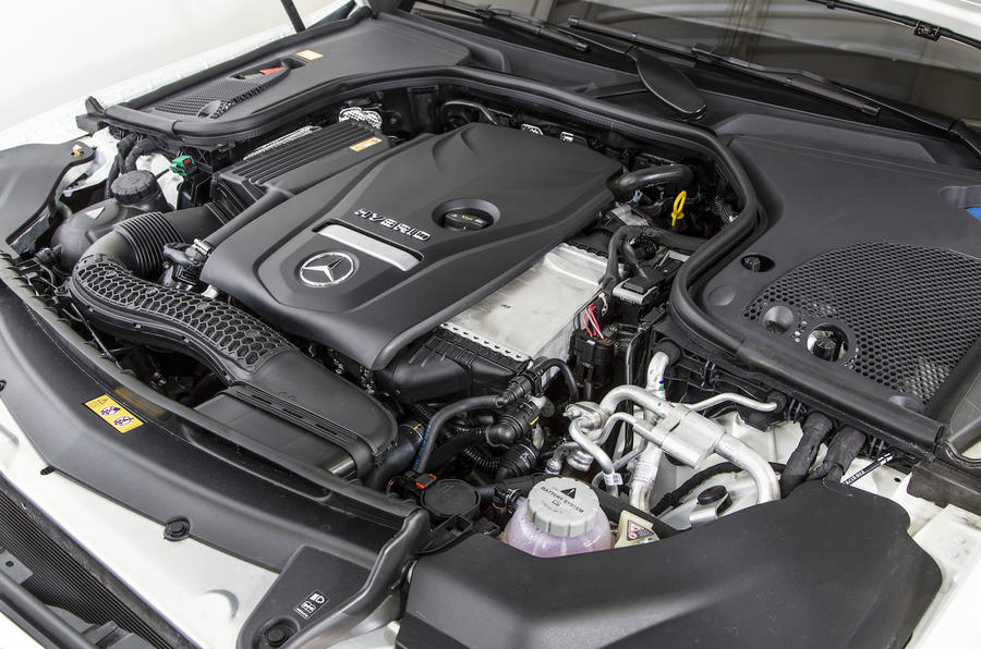 2.0-litre Mercedes-Benz E 350 e engine
