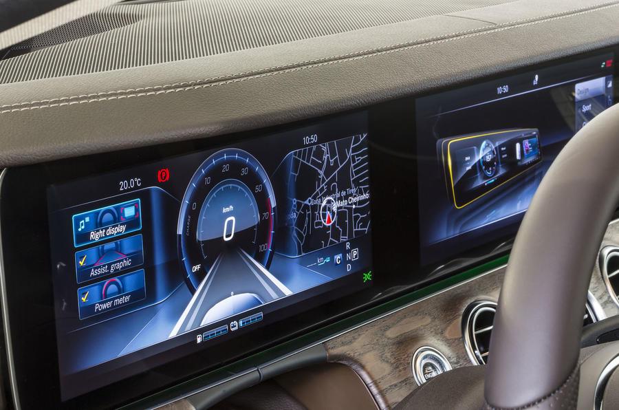 Mercedes-Benz E 350 e instrument cluster
