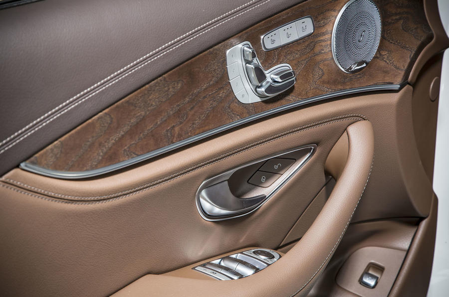 Mercedes-Benz E 350 e door cards