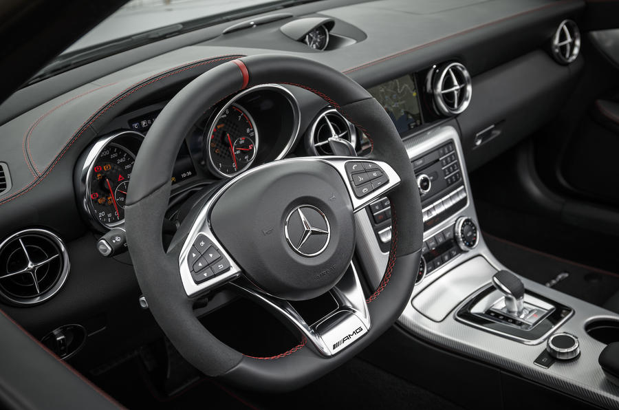 Mercedes-AMG SLC 43 steering wheel