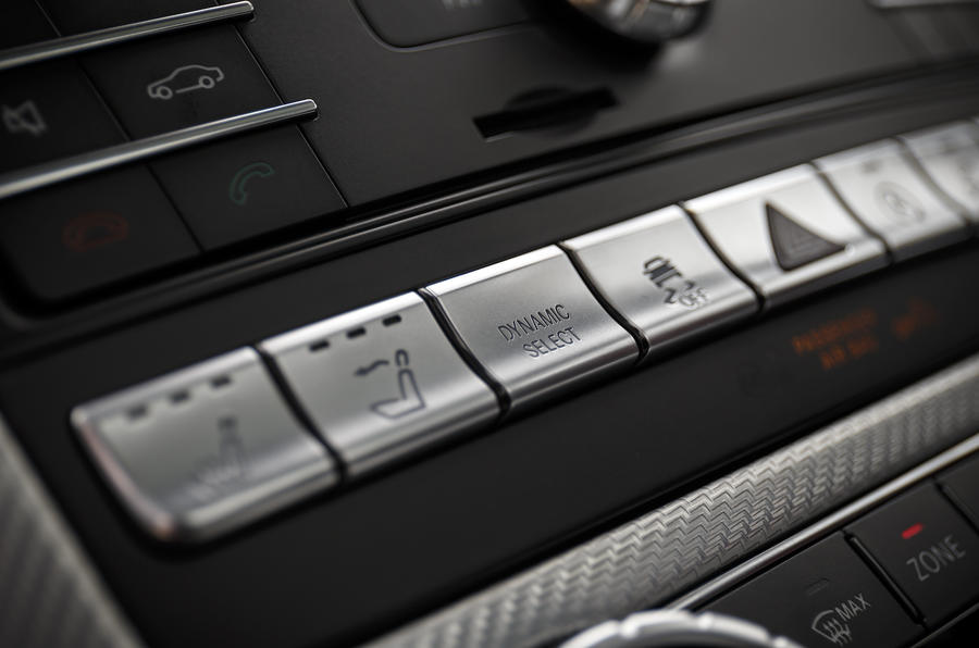 Mercedes-AMG heated seats and airscarf