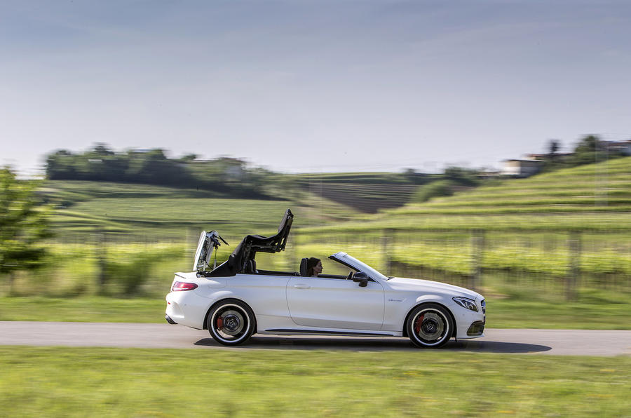 Mercedes-AMG C 63 S roof closing