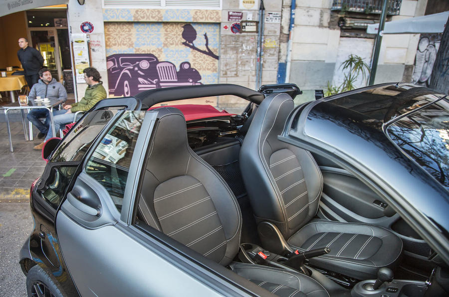 Smart Fortwo Cabrio front seats