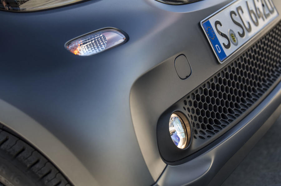 Smart Fortwo Cabrio foglights