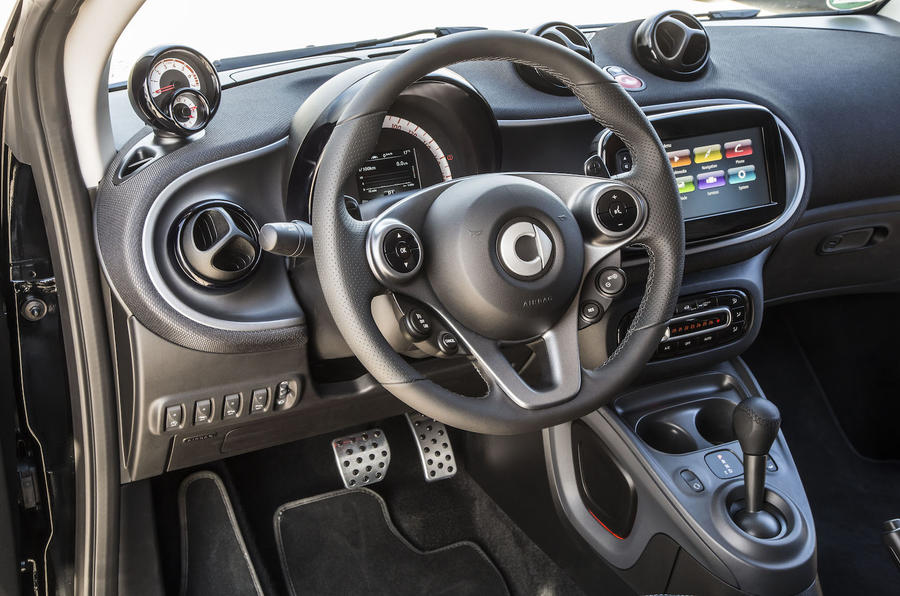 2016 smart fortwo cabrio 90 twinamic review review autocar. Black Bedroom Furniture Sets. Home Design Ideas