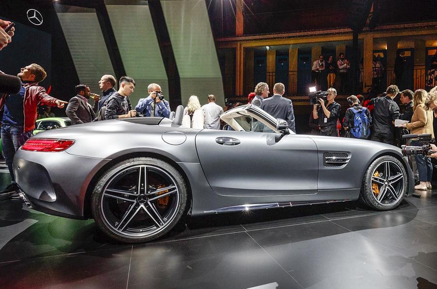 ... Mercedes AMG GT Roadster ...