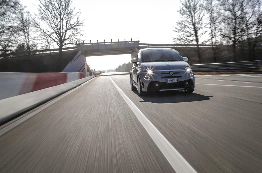 Abarth 595 Essesse 2019 first drive review - track nose