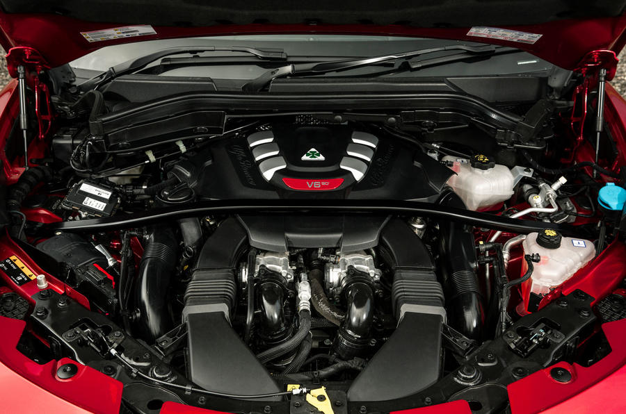 Alfa Romeo Stelvio Quadrifoglio 2018 UK RHD first drive - engine