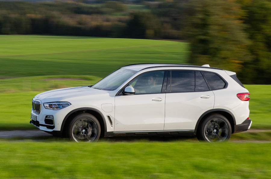 BMW X5 xDrive 45e 2019 UK first drive review - on the road side