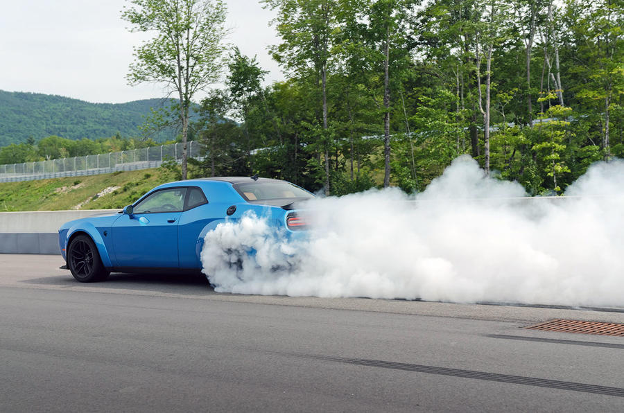 Dodge Challenger Hellcat Redeye Widebody 2018 first drive review - burnout rear