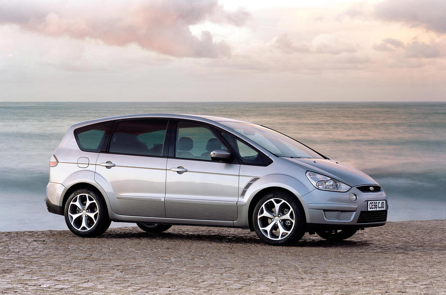 Ford S-Max - static side