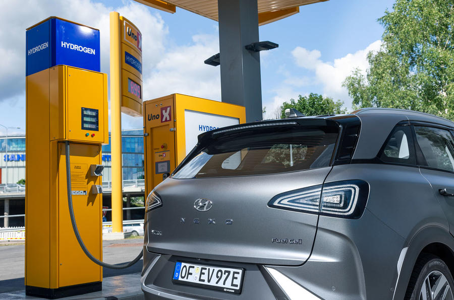 Hyundai Nexo 2019 first drive review hydrogen filling station
