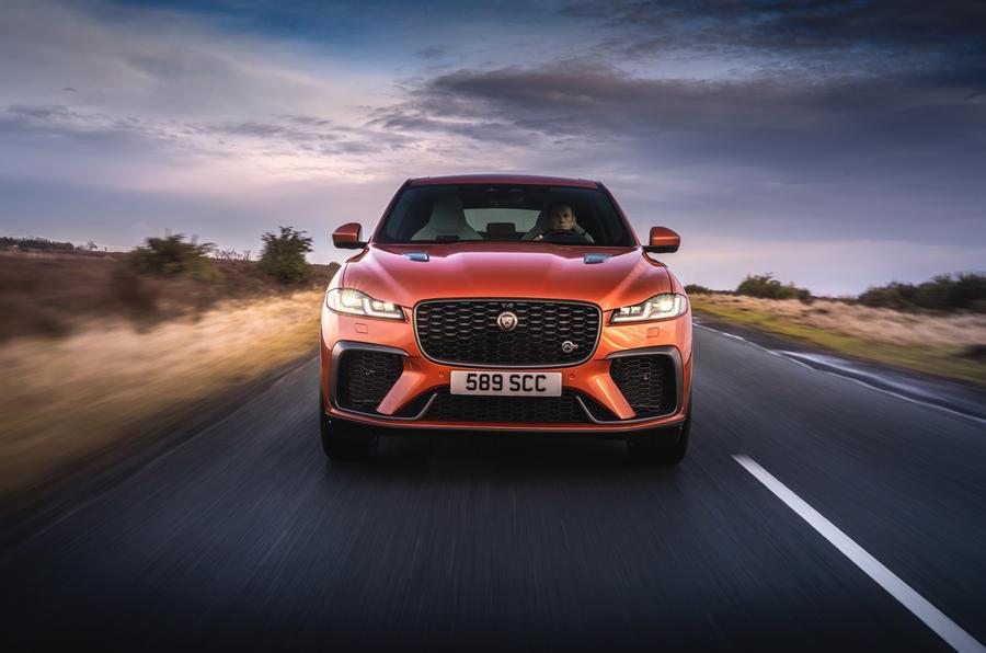 17 Jaguar F Pace SVR 2021 : premier examen de conduite sur le nez de la route au Royaume-Uni