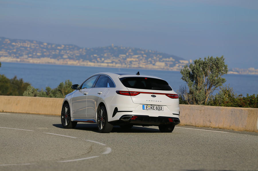 Kia Proceed 2019 first drive review - cornering rear