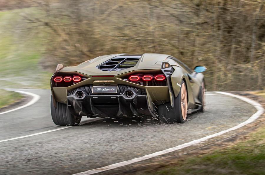 17 Lamborghini Sian 2021 : premier examen de conduite au Royaume-Uni
