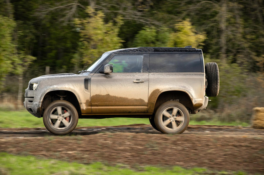 Land Rover Defender 90 P400 X 2020 UK first drive review - offroad side