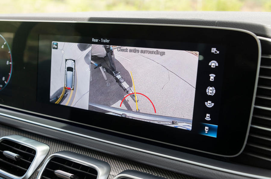 Mercedes-Benz GLS 400D 2019 first drive review - towing rear view camera