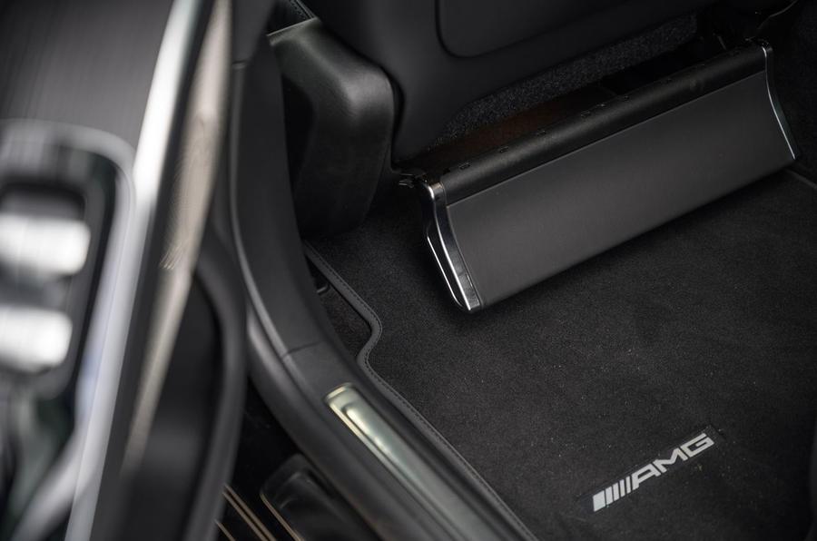 17 Mercedes Classe S S400d 2021 UE FD Repose-pieds arrière