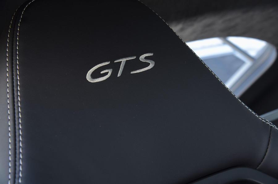 Porsche 718 Cayman GTS 2018 UK review seat logo