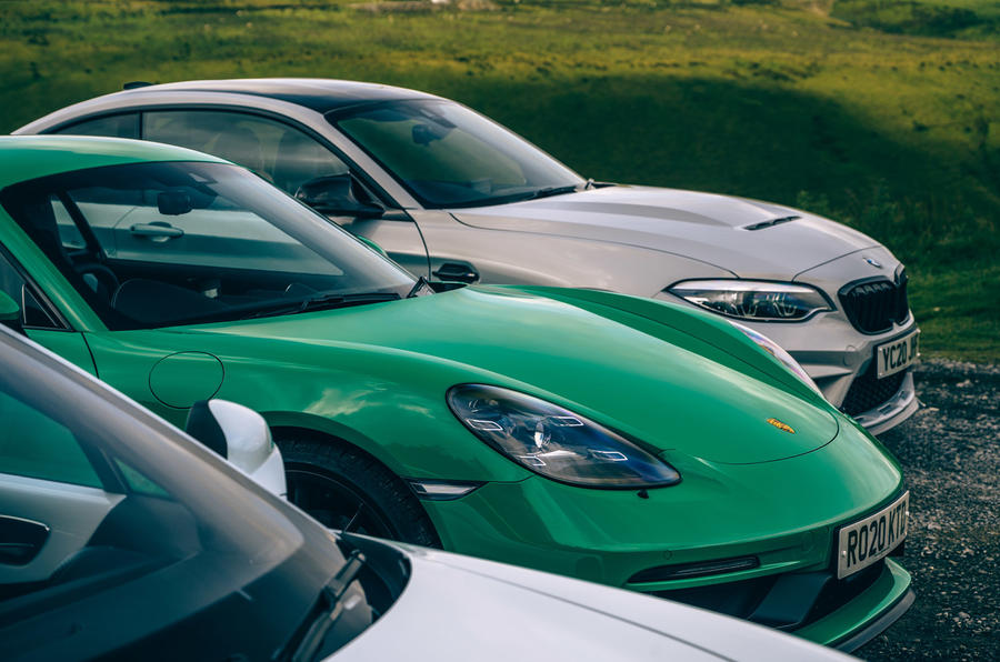 Porsche Cayman - static side