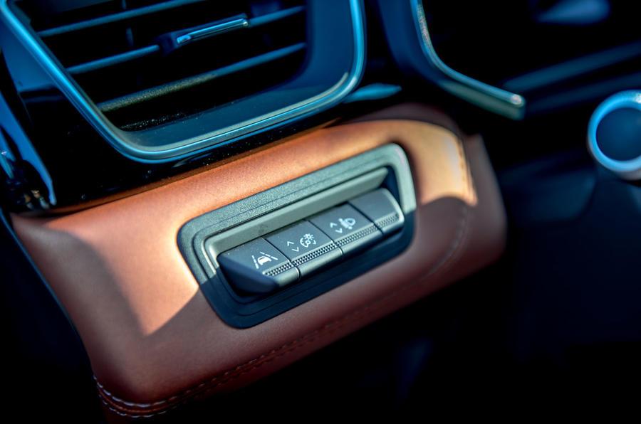 Renault Captur 2019 first drive review - ADAS controls