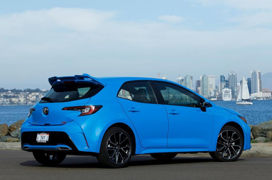 Toyota Corolla 2.0 XSE CVT 2019 review - static rear