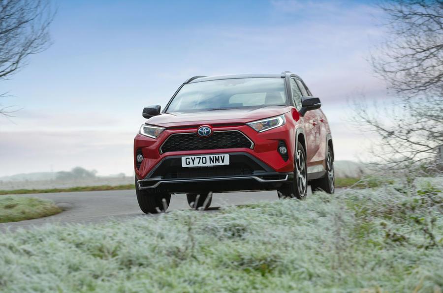17 Toyota RAV4 PHEV 2021 : premier examen de conduite sur la route au Royaume-Uni