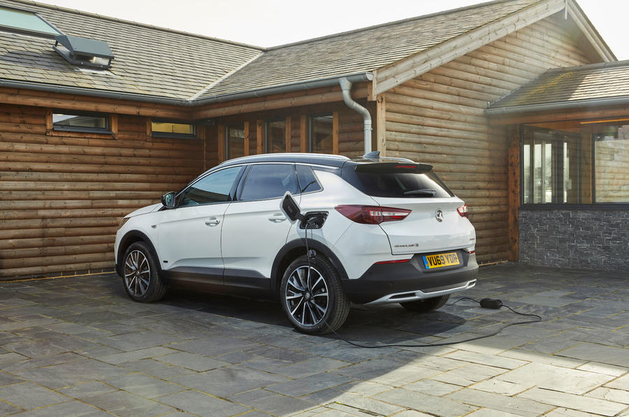 Vauxhall Grandland X Hybrid4 2020 UK first drive review - static rear