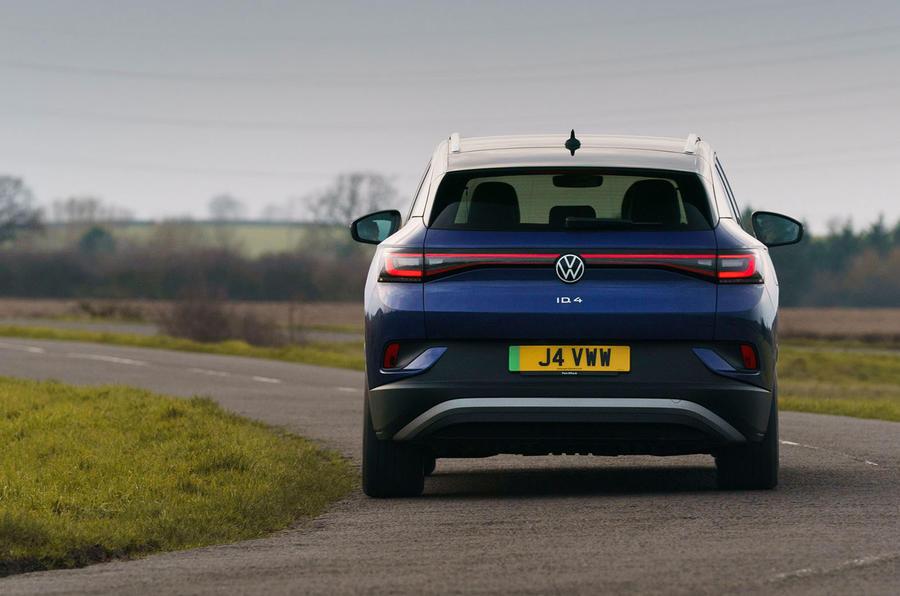 17 Volkswagen ID 4 2021 UE : premier essai routier - virage arrière