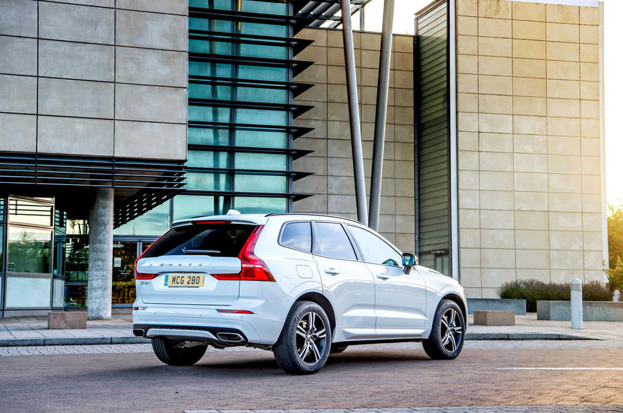 Volvo XC60 B5 2020 UK first drive review - static rear
